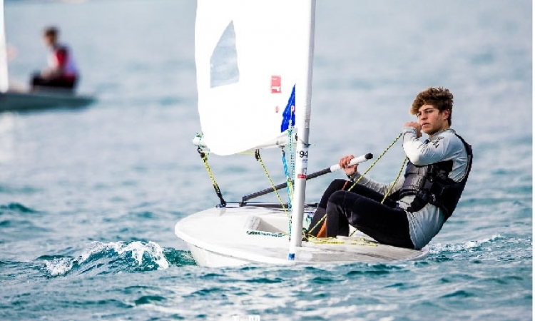 Pere Ponseti roza el podio en el Europeo de Laser 4.7 21383cd4d491e